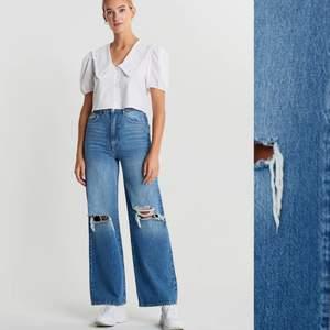 Säljer mina knappt använda jeans från gina pga att dem är för långa i benen & passar inte i midjan . Dem är i storlek 36