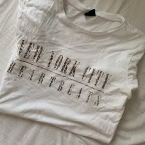 Snygg t-shirt som inte längre används