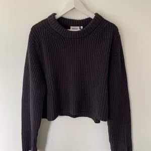 As najs stickad tröja från Weekday. Köptes för 500kr !!