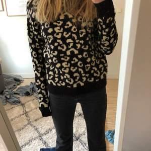 Asnajs tröja i kashmir blandning från märket GARCIA, köpt för ca 700kr säljer för 250 eller högst bud! Skriv för fler bilder