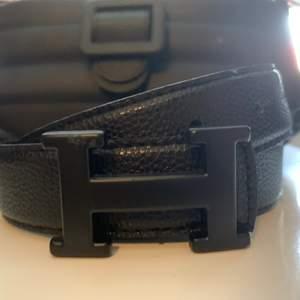 Helt nytt svart Hermes bälte, aldrig använt och i topp skick