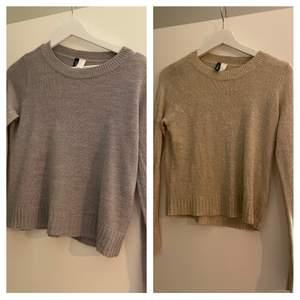 Säljer dessa två tröjor från hm tror det är samma modell, säljer 1 för 40kr och båda för 60kr fina men lite skrynkliga stryker innan jag skickar (frakten blir samma för 1 som båda)