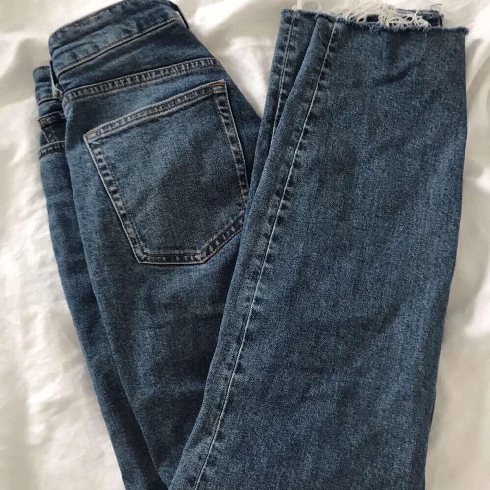 Super snygga blå jeans!! Kommer ej t användning! Kom gärna med egna priser . Jeans & Byxor.