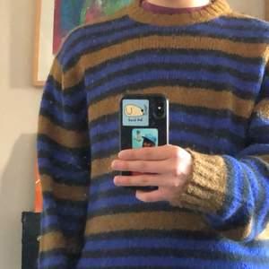 Stickad tröja från Weekday, använd 2 ggr. Condition:10/10