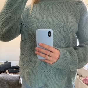 Superfin oversized stickad tröja köpt från Cubus!