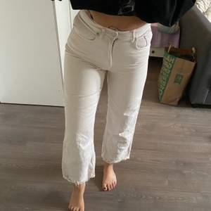 Otroligt snygga jeans från na-kd, tyvärr en aning för små för mig.