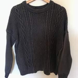 Lanvendelblå tröja från Monki i storlek S. 100% bomull. Skicket är som ny!