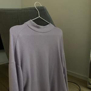Fin lila tröja som tyvärr inte kommer till användning😢