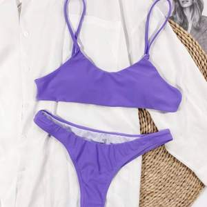 Jättefin bikini ifrån shein, säljer pga överdelen var lite liten, bikini toppen är endast testad då jag kunde se att underdelen skulle va för liten. Köparen står för frakt