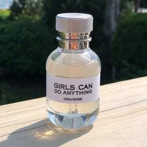 """Aldrig använd parfym från varumärket """"Zadig & Voltaire"""". Jag fick parfymen (30ml)  i present, men tyckte inte om doften.. Därav säljer jag den (utan kvitto, kartong etc)."""