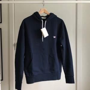 Helt ny hoodie med tags från Maison Kitsuné.