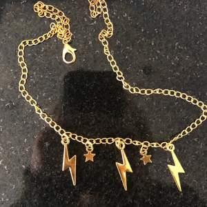 Super fint halsband! 85 kr (frakten är inkluderad i priset) hör av er vid intresse eller funderingar!💓🥰💞