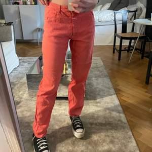 Sjukt snygga rosa/röda byxor från Armani Jeans