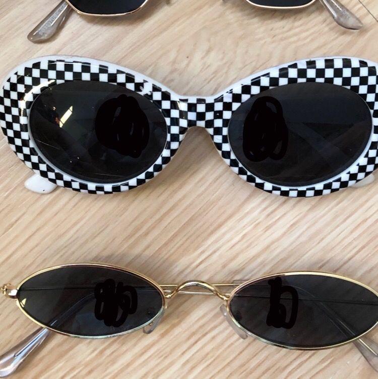 Säljer dessa solglasögon (#1 Högst upp - #4 Underst) #1 (70kr) #2 (50kr) #3 (80kr) #4 (40kr) ❤️ lite frakt tillkommer. . Accessoarer.