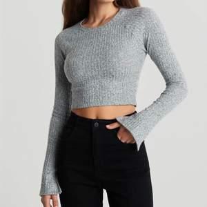Säljer en Kinsley Rib Top från Gina tricot i storlek S. Aldrig använd, endast provad så i nyskick. Säljes för 150 kr, nypris 199 kr. Hämtas i Färjestaden men kan även skickas, då tillkommer fraktkostnad för köparen.