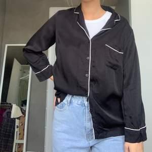 pyjamasskjorta från Lindex (ELLA•M) i storlek S, aldrig använd,  köparen står för frakten