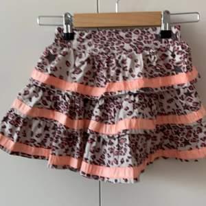 Molo kjol storlek 110/116. 50kr