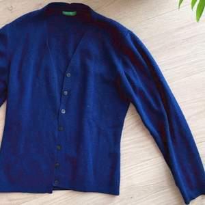 Blå snygg ullcardigan från gamla United Colors of Benetton