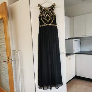 Så fin bal/fest-klänning. Strl 34, frakt ingår i priset 🖤