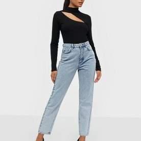 Ett par blå Gina jeans, storlek 42. Säljer pga att dem är för stora. Nypris 400kr pris nu 100kr