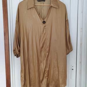 Lång tröja från Zara, knappt använd