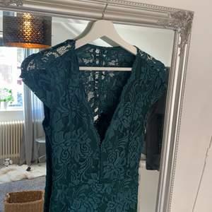 Långklänning ifrån bubbleroom i stl.38 använd 1 gång på bal. Jättefint skick, som ny 💕 nypris 799