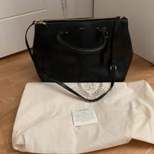 Väska i äkta läder från Ralph Lauren, helt ny!