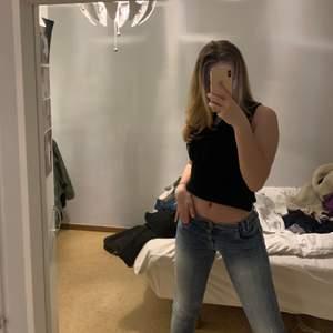 Samma jeans ligger ute på min sida här är bättre bilder!