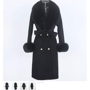 Oanvänd Valerie Coat i storlek m men passar s. Ny pris 3999kr säljer för 2000kr!