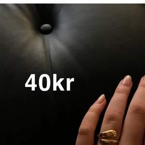 Justerbara Ringar i silver o guld 40kr. Skickas i fin påse. Frakt 12kr