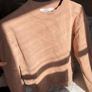 Beige tröja från NAKD. Använd 2 gånger. 10kr + frakt