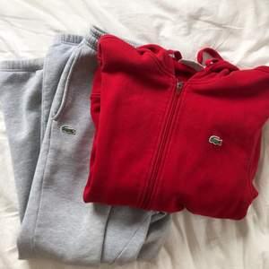 mjukisbyxa och zip hoodie från lacoste sport. använda ett fåtal gånger av mig. jag är 173cm:)