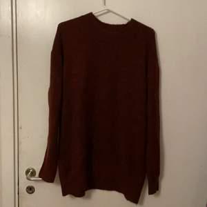 Vinröd stickad tröja från lager 157 i storlek m