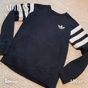 Adidas i använt skick. Men fräsch. Vintage