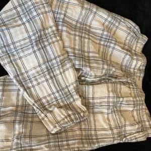 Pyjamas byxor från Cubus som är för korta för mej, jag är 170 cm💗