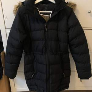 Size small or 36 navy winter coat with hood
