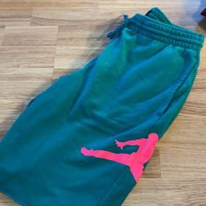 Jordan air shorts, sparsamt använda