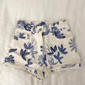 Highwaisted trendiga shorts på Pintrest 📌 Str 38 me passar mer en 34/36