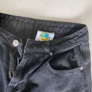 Skitfina unif jeans med loose legs. säljs ej längre av unif🌈