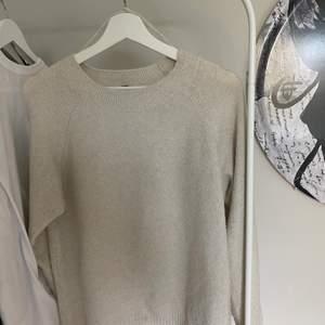 Så snygg stickad tröja från vero Moda o stl s💕