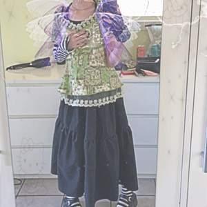 En super fin fairy grunge tröja! Säljer då den är för stor :(