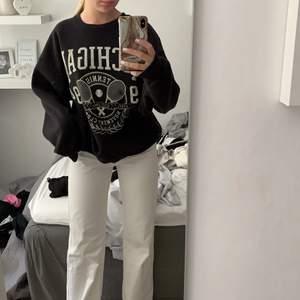 Skit snygg sweatshirt från Gina, st 36 i fint skick!
