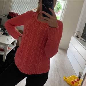 Säljer en tröja från ParkLane i storlek M men mer som en S. Väldigt fint skick då den är använd väldigt få gånger