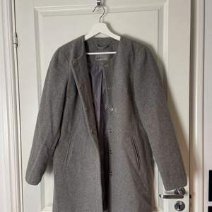 Säljer denna vero Moda kappa. Bra skick och i storlek M❤️