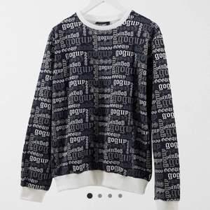 Säljer denna asballa sweatshirt! Använd fåtal gånger, postar spårbart