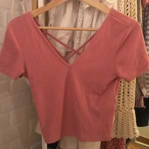 Rosa t-shirt från Gina tricot💕