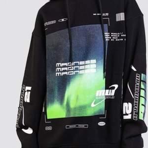 Söker denna hoodie från madlady i storlek M