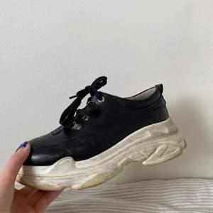 Jättefina skor med en platå från K.Cobler! Köparen står för frakten !