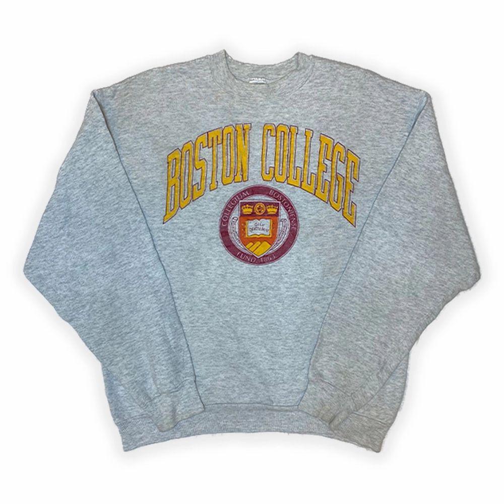 Fina vintage sweatshirts! Skriv för storlekar (S-L)💫. Huvtröjor & Träningströjor.