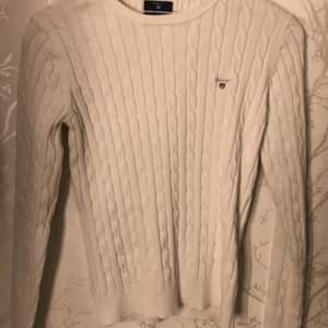 Gant tröja knappt använd. I väldigt bra skick. Nypris 1299. Skriv för mer bilder.☺️